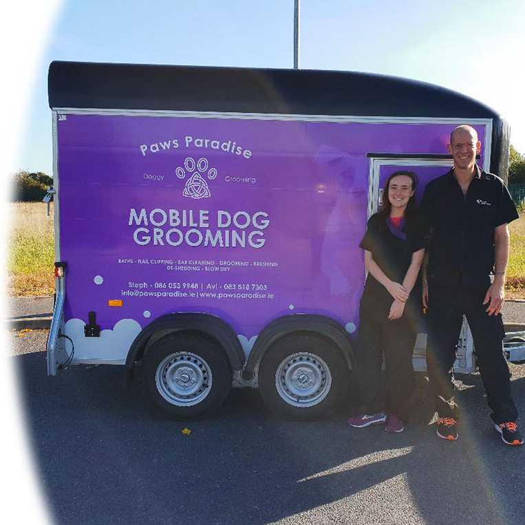Mobile grooming studio